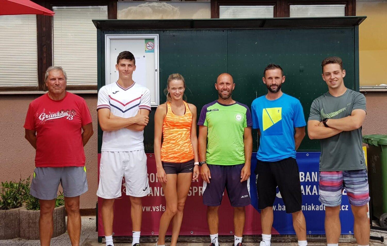 Trenérský tým: Laďa, Vojta, Karin, Petr, Martin, Oliver