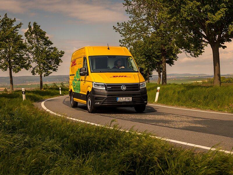 DHL Express rozšířila svůj vozový park o elektromobily VW e-Crafter