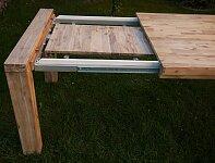 Systém kvalitního rozkladu uschován pod deskou