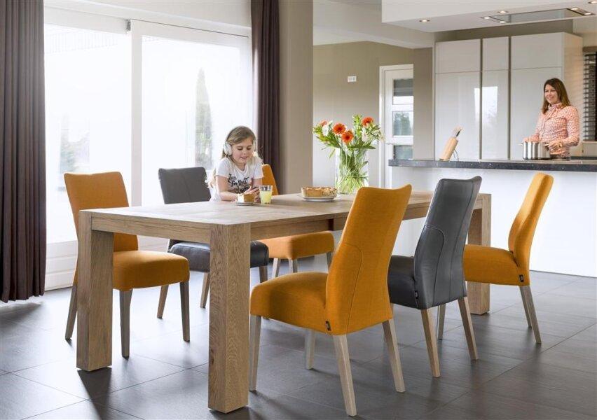 Rozkládací jídelní stůl - dub
