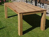Dubový celomasivní jídelní stůl s rozkladem