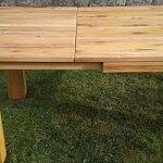 Stabilní rozkládací systém u jídelního stolu z dubu