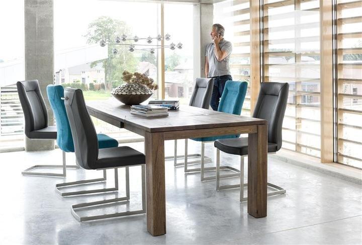 Masivní dubový jídelní stůl s rozkladem