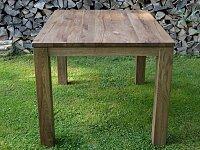 Dubový masivní jídelní stůl